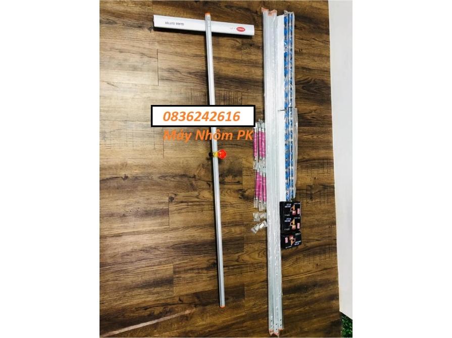 Dao cắt kính chữ T hiệu Fengly cán 22 1m2