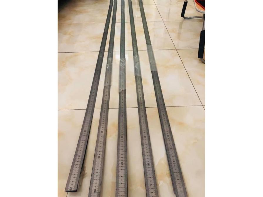 Thước Inox máy cắt nhôm loại 4m