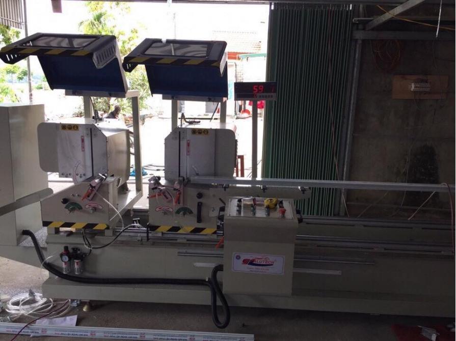 Máy cắt nhôm hai đầu 08S tự động