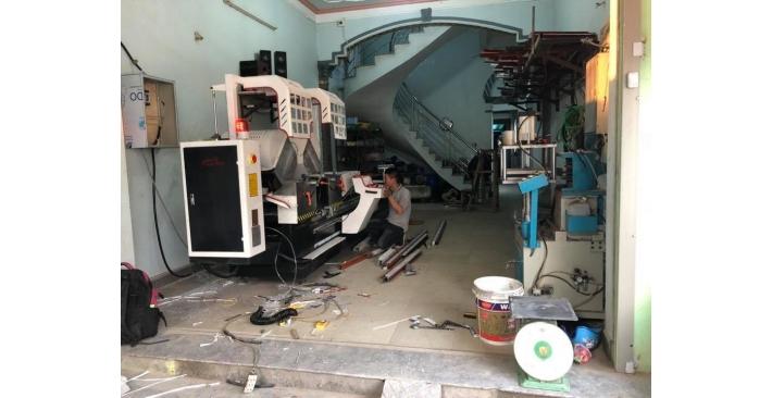 Alutech chuyển giao máy làm cửa nhôm cho khách hàng tại Bắc Ninh