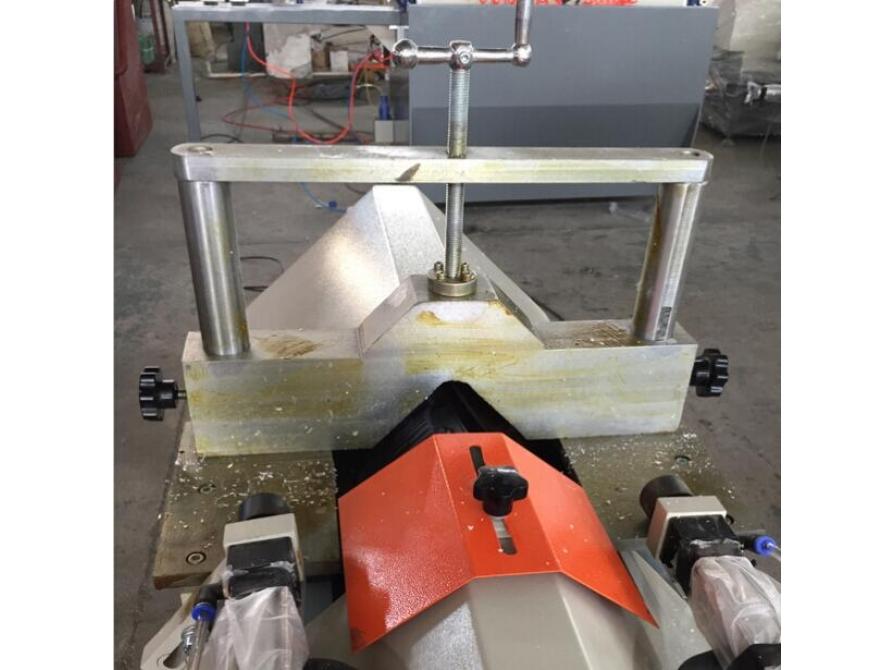 Máy cắt nẹp kính SYJW-1800