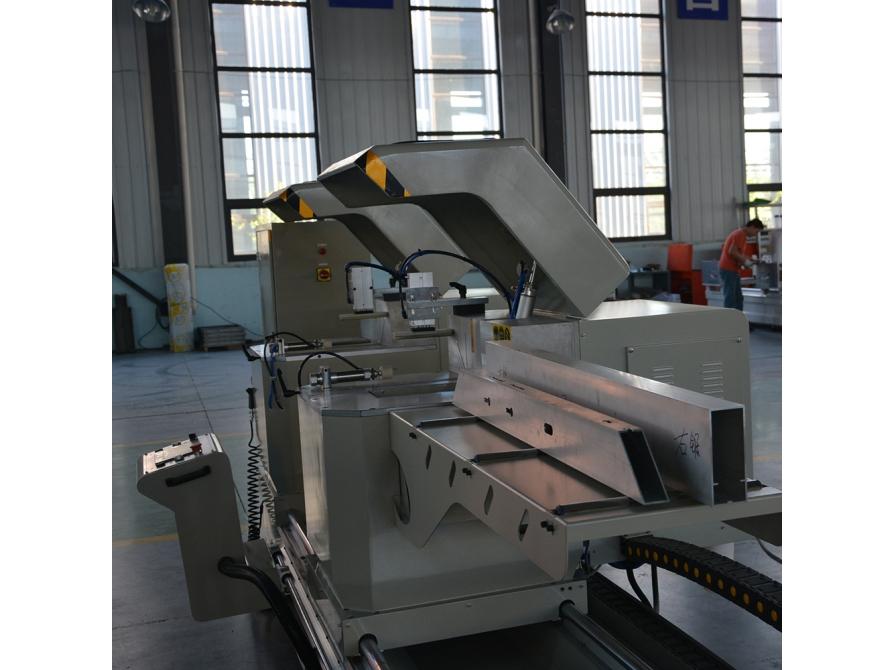 Máy cắt nhôm hai đầu A10 CNC