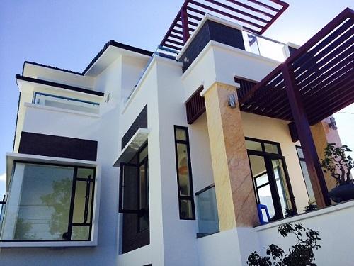 Cửa nhôm Xingfa trong một công trình nhà ở  Cửa nhôm Xingfa đáp ứng được hầu hết các nhu cầu sử dụng cửa của công trinh chung cư, nhà ở, khách sạn